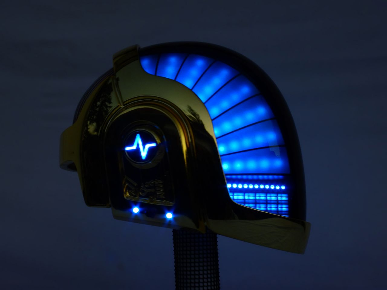 Love Props creates an incredible MIDI powered Daft Punk Guy Manuel helmet